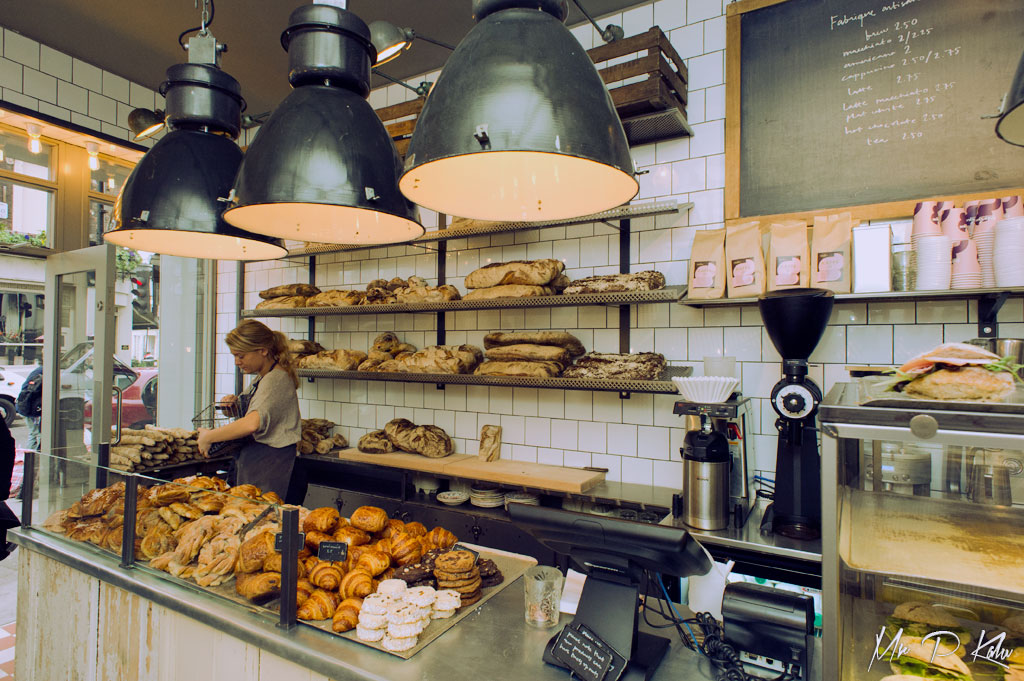 Fabrique Notting Hill Bread Counter