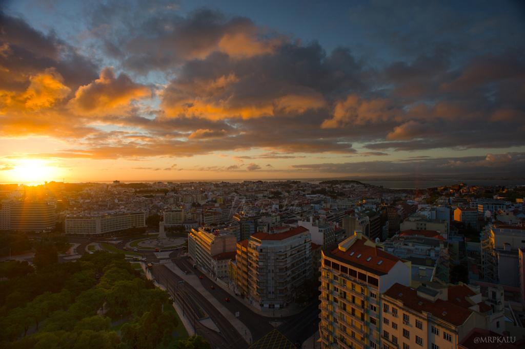 Sunrise-Over-Lisbon