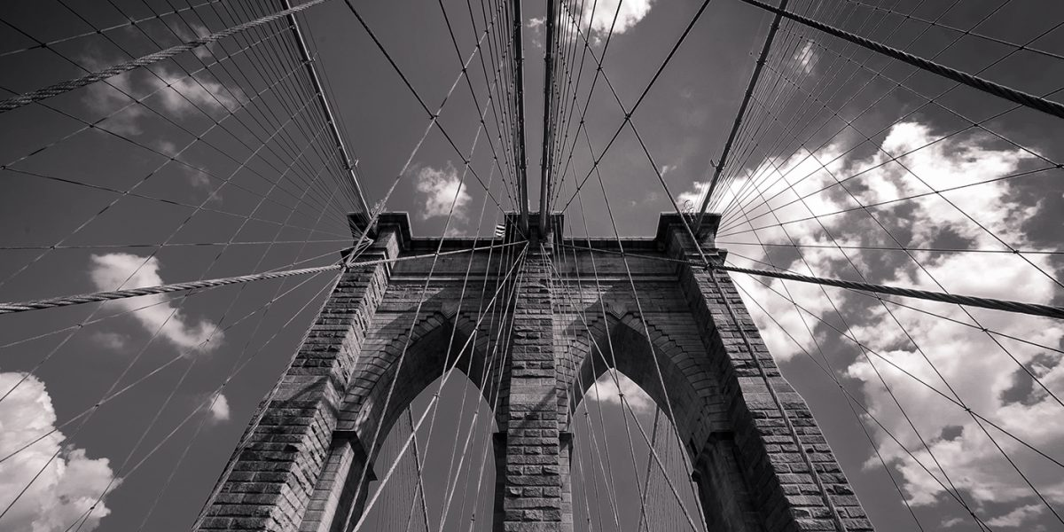 black and white image of brooklyn bridge by mrpkalu
