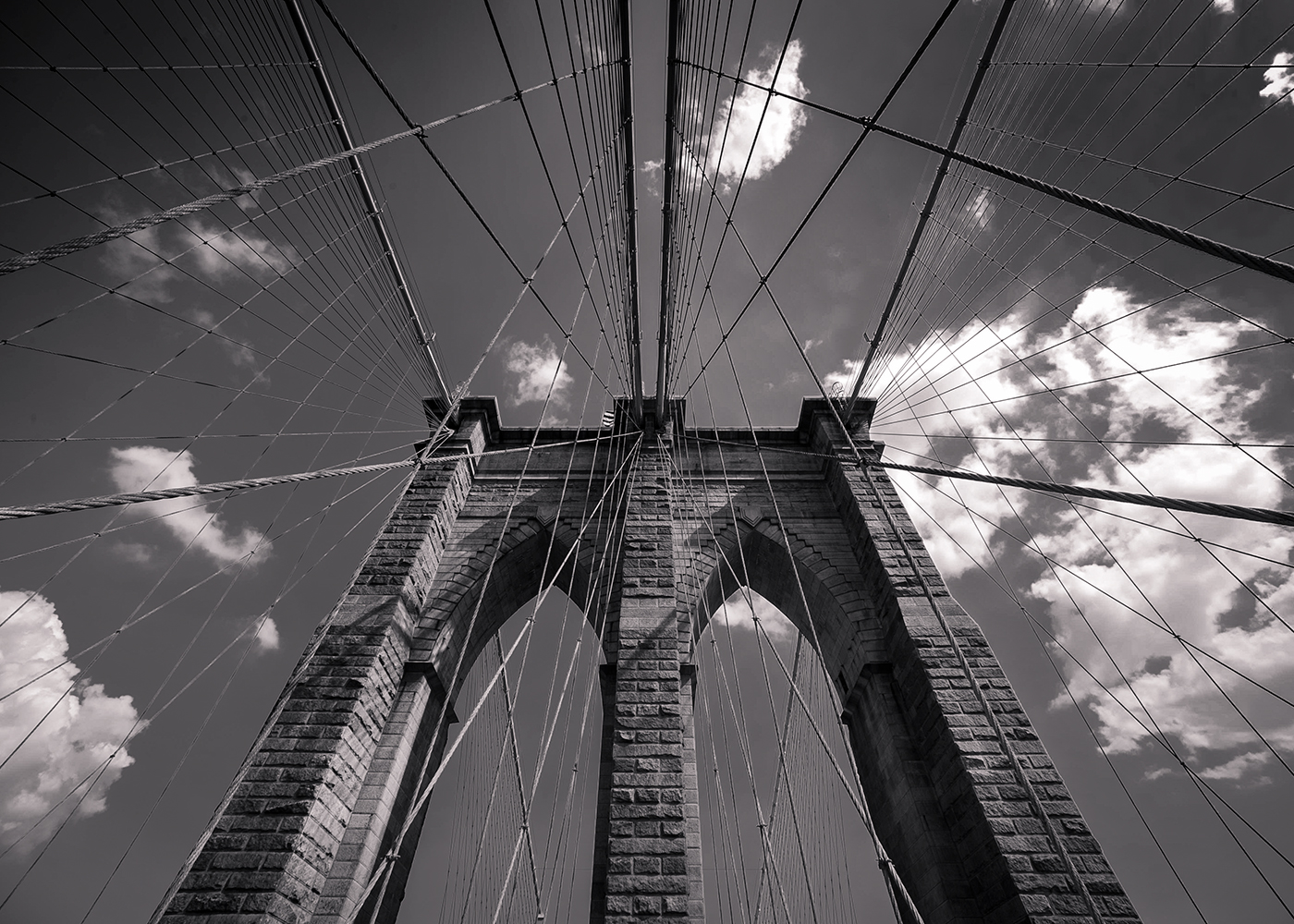 black and white image of brooklyn bridge by mrpkalu