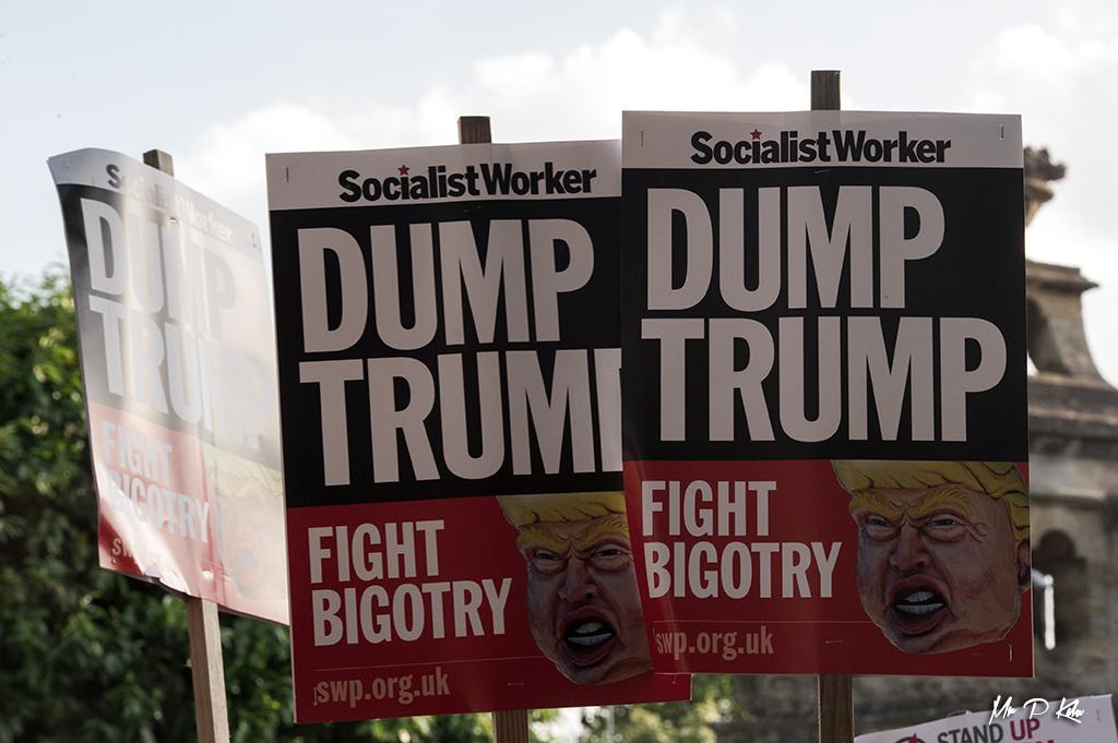 'Dump Trump' placard prepared by the 'Socialist Worker' group