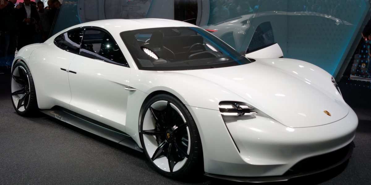 Porsche Taycan – A game changer in the electric car industry?